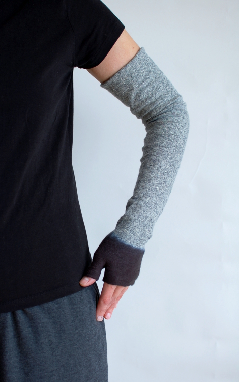 Dipped-armwarmer-on-sm