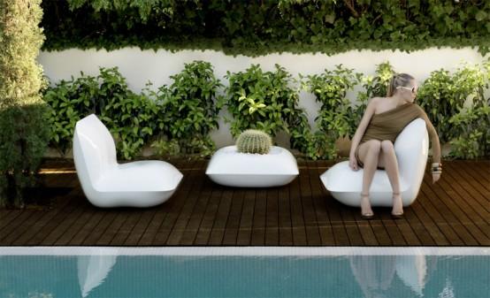 Vondow-pillow-outdoor-furniture-1-554x337